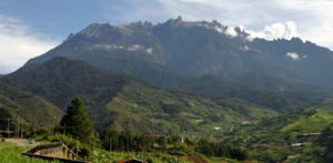 300px-mtkinabalu_view_from_kundasan