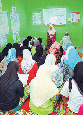 Penghuni Kem Bina Insan Kewaja mengikuti sesi agama dan kaunseling